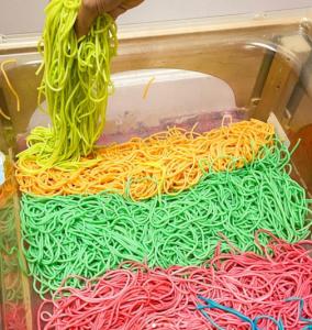 Photo from https://kidactivitieswithalexa.com/en/rainbow-pasta-recipe/